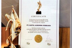 SATYA AGRINDOTERIMA PENGHARGAAN GOLDEN EUROPE AWARD FOR QUALITY